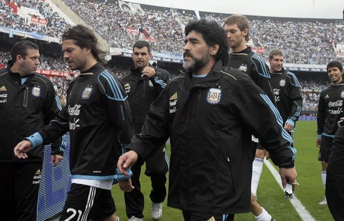 La anécdota de Ariel Garcé con la familia Maradona que incluye a Gianinna. Foto: EFE