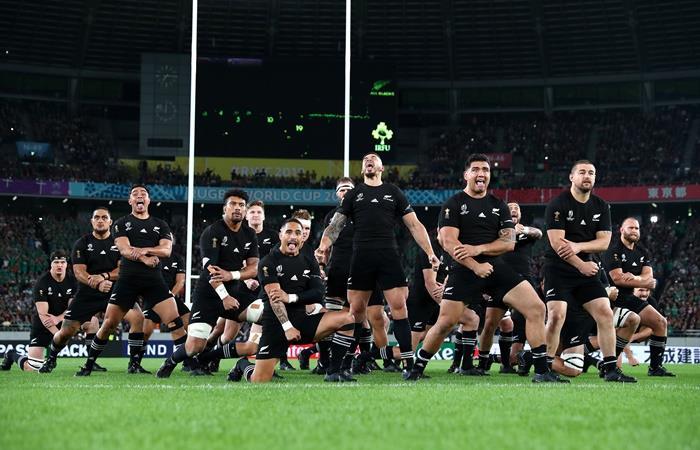 Nueva Zelanda goleó a Irlanda y jugará con Inglaterra que aplastó a Australia. Foto: Twitter