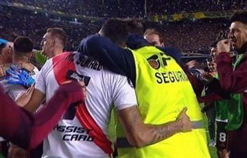 Echaron al hombre de seguridad que abrazó a los jugadores de River