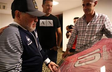 """El homenaje de Newell's a Maradona y la """"Tota"""" por el día de la madre"""