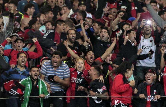 Colón de Santa Fe pondrá dos pantallas gigantes en su estadio. Foto: Twitter