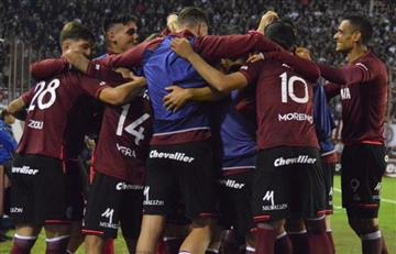 Lanús le ganó 2 a 1 a Boca y lo bajó de la cima de la Superliga