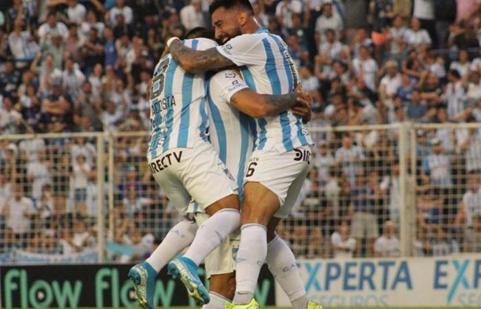 Colon vs Atlético Tucuman abren la fecha 12 de la Superliga. Foto: Twitter