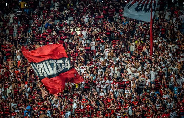 Flamengo y una oferta de 2,5 dólares para viajar en micro a Lima. Foto: Twitter
