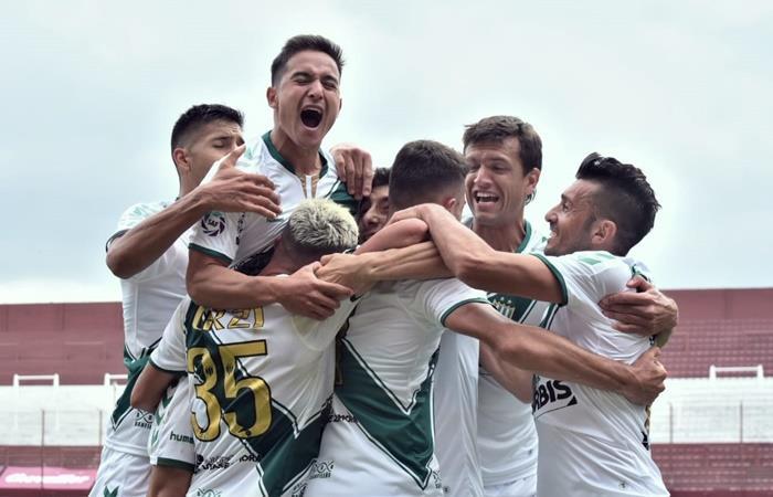 Banfield sorprendió a Lanús y le ganó 1 a 0 en La Fortaleza. Foto: Twitter Banfield