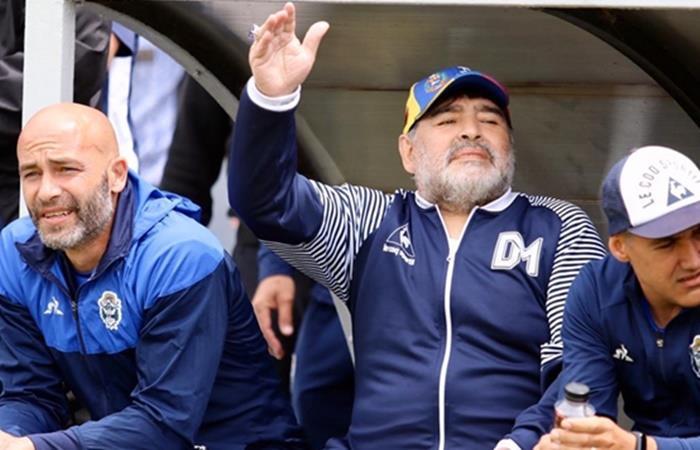 Diego Maradona quiere seguir un año más en Gimnasia. Foto: Twitter Gimnasia