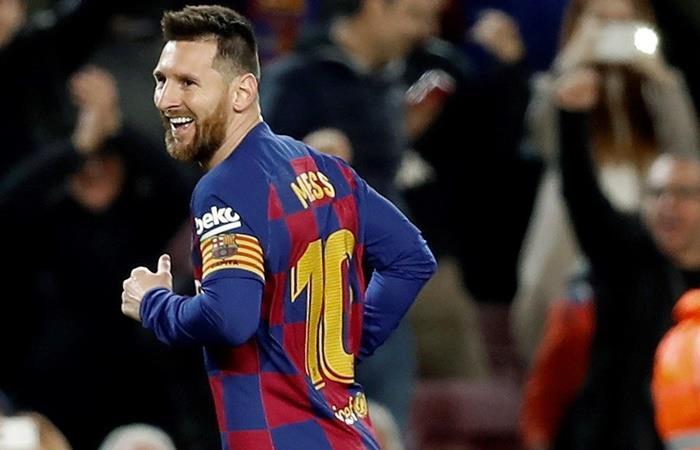 Lionel Messi marcó dos golazos de tiro libre y uno de penal ante Celta. Foto: EFE
