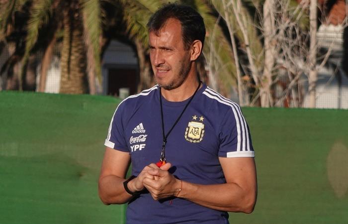 El equipo de Fernando Batista debuta ante el combinado de Islas Canarias. Foto: Twitter Argentina