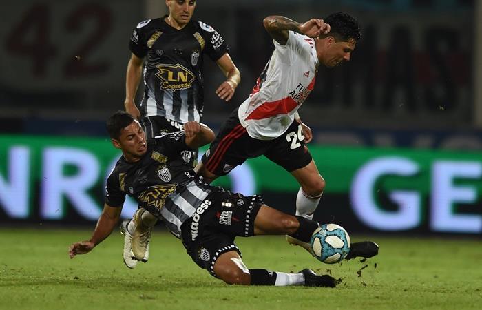Enzo Pérez sufrió un esguince de hombro izquierdo. Foto: Twitter