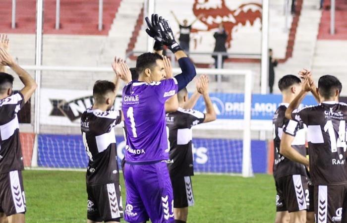 Platense no quiere perderle pisada a Atlanta ante Mitre de Santiago del Estero. Foto: Twitter Platense