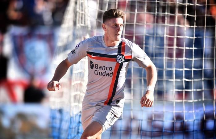 Adolfo Gaich marcó su primer doblete en la primera de San Lorenzo. Foto: Twitter San Lorenzo