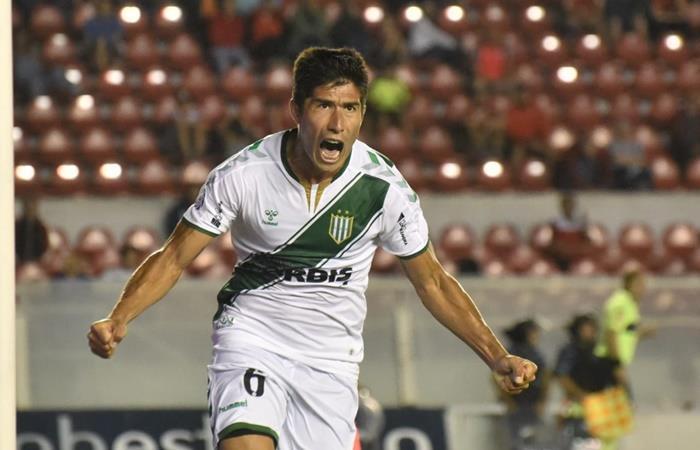 Luciano Lollo le dio la victoria a Banfield 1 a 0 sobre Independiente. Foto: Twitter Banfield