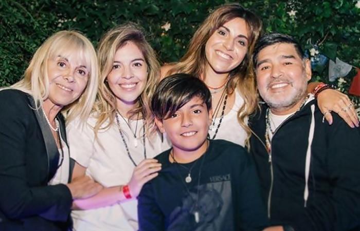 Los Maradona juntos en un evento de Gianinna Maradona. Foto: Instagram