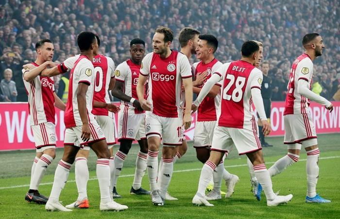 Ajax va por la clasificación ante Valencia. Foto: Twitter