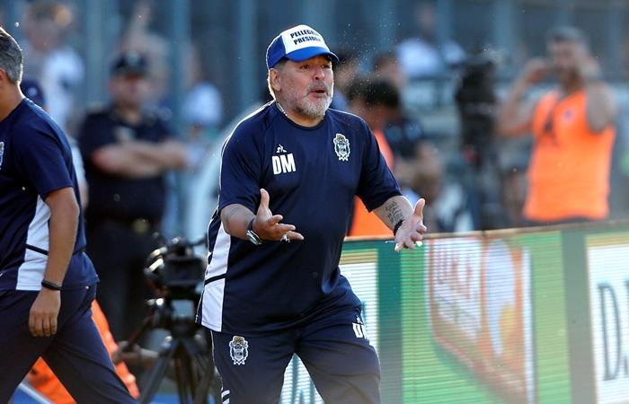Diego Maradona será nombrado socio honorario de Gimnasia. Foto: EFE