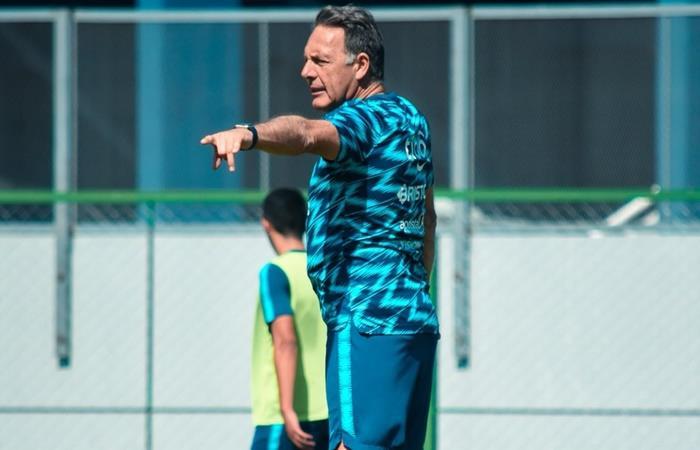 Miguel Ángel Russo llega a Boca con su equipo completo. Foto: Twitter Cerro Porteño