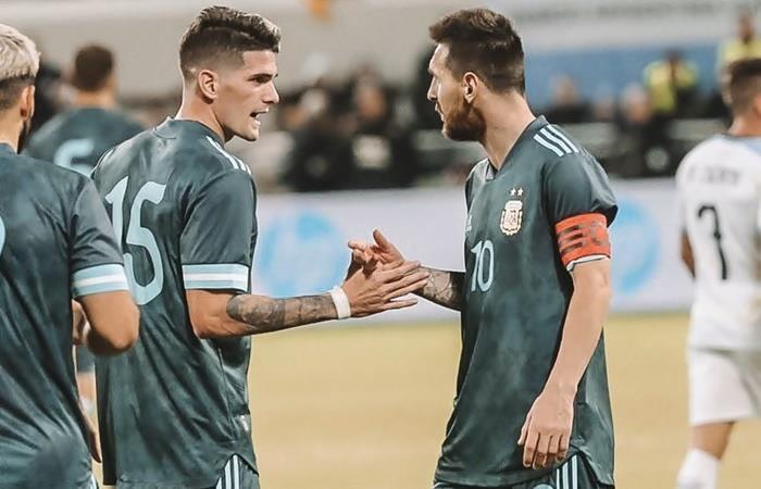 Rodrigo De Paul habló de la figura de Lionel Messi en Argentina. Foto: Twitter