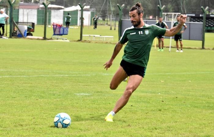 Daniel Osvaldo se lesionó y no estará en el debut de Banfiel. Foto: Twitter