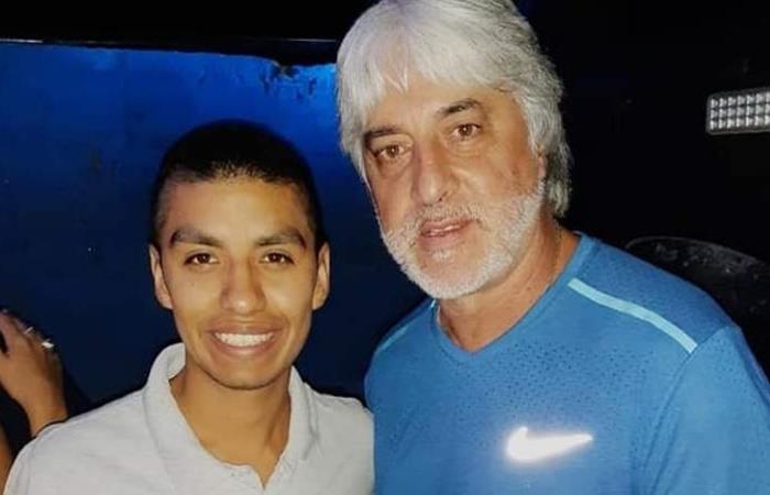 Rafael Di Zeo y La 12 en un boliche de San Juan. Foto: Facebook