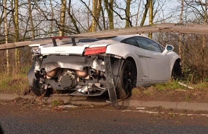 Sergio Romero choco con su Lamborghini en Manchester. Foto: Twitter