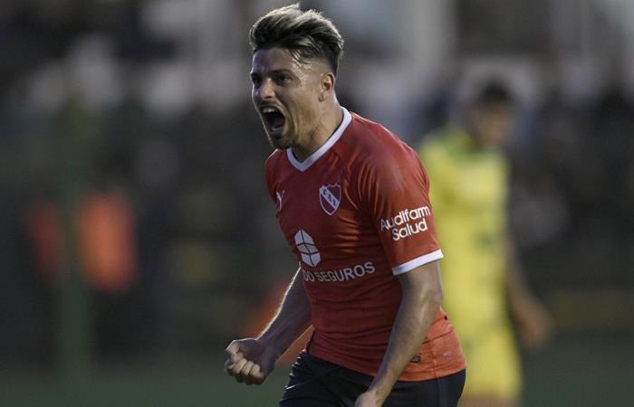 Sebastián Palacios, entre Rosario Central y Newell's. Foto: Twitter Independiente