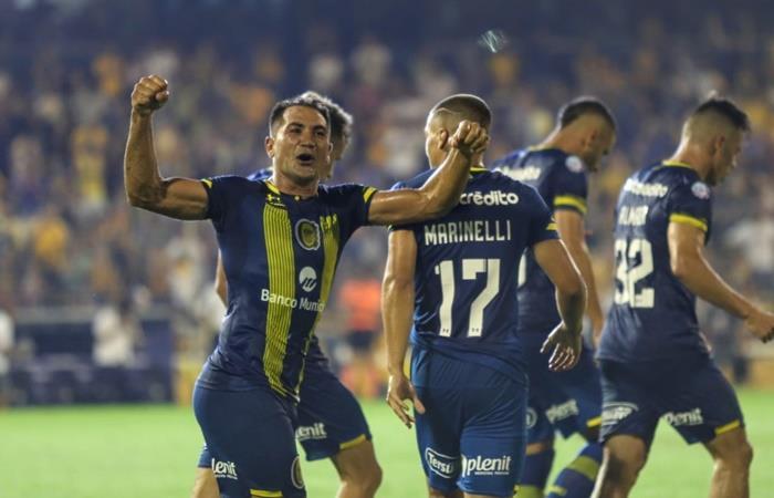 Rosario Central le ganó a Huracán y sueña en la Superliga. Foto: Twitter Rosario Central