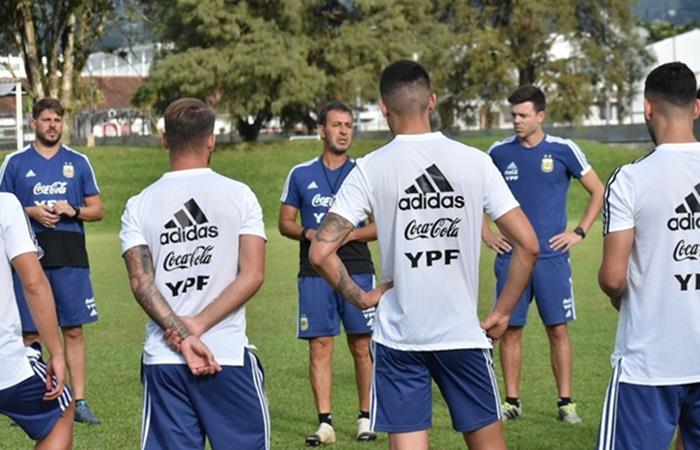 Fernando Batista planea tres cambios en Argentina para enfrentar a Ecuador. Foto: Twitter Argentina
