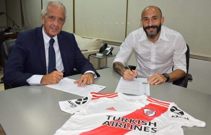 Javier Pinola extendió su contrato con River hasta junio de 2021. Foto: Twitter