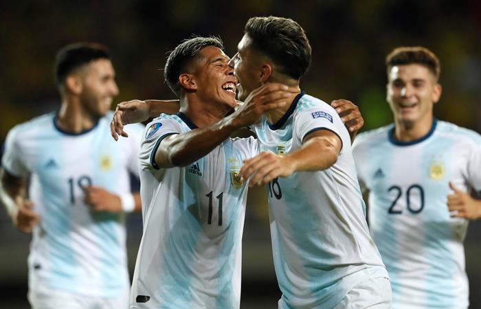 Argentina le ganó a Venezuela y está en el cuadrangular final. Foto: EFE