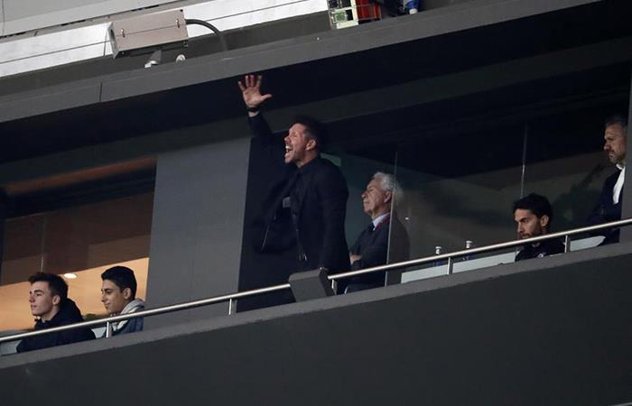 Diego Simeone vivió de manera efusiva el triunfo ante Villarreal. Foto: EFE