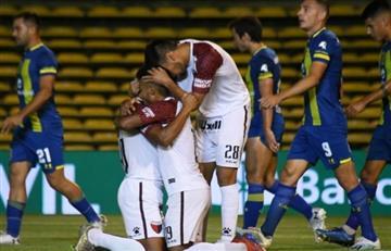 Colón goleó a Rosario y sueña con salvarse