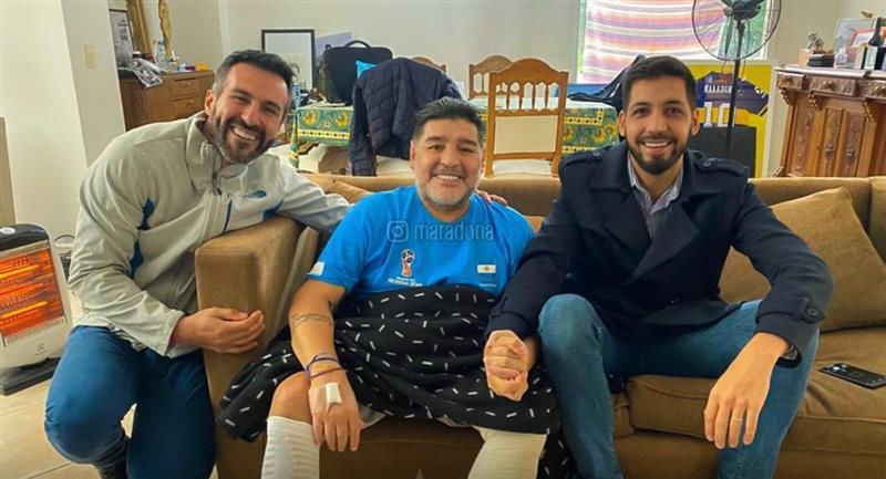 Diego Maradona dejó ver camiseta de Boca Juniors. Foto: Instagram - @maradona