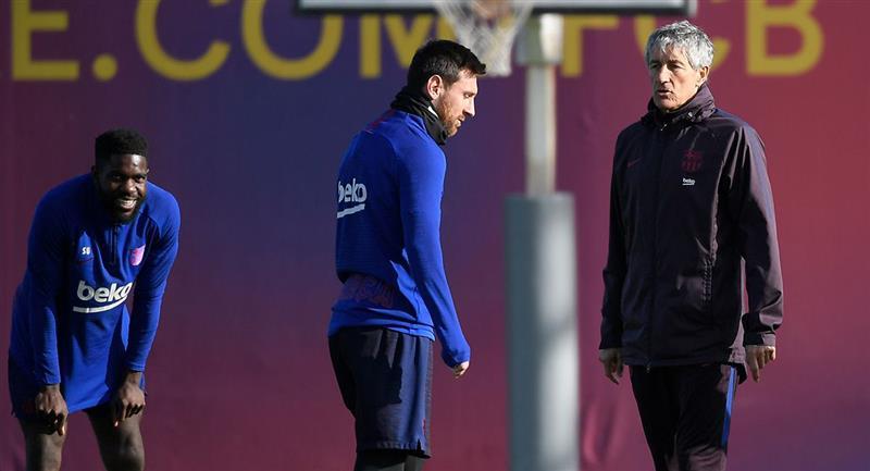 Lionel Messi se reunió con Quique Setién tras caer ante Osasuna. Foto: Twitter Difusión
