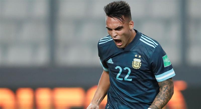Argentina se impuso a Perú en las Eliminatorias. Foto: EFE