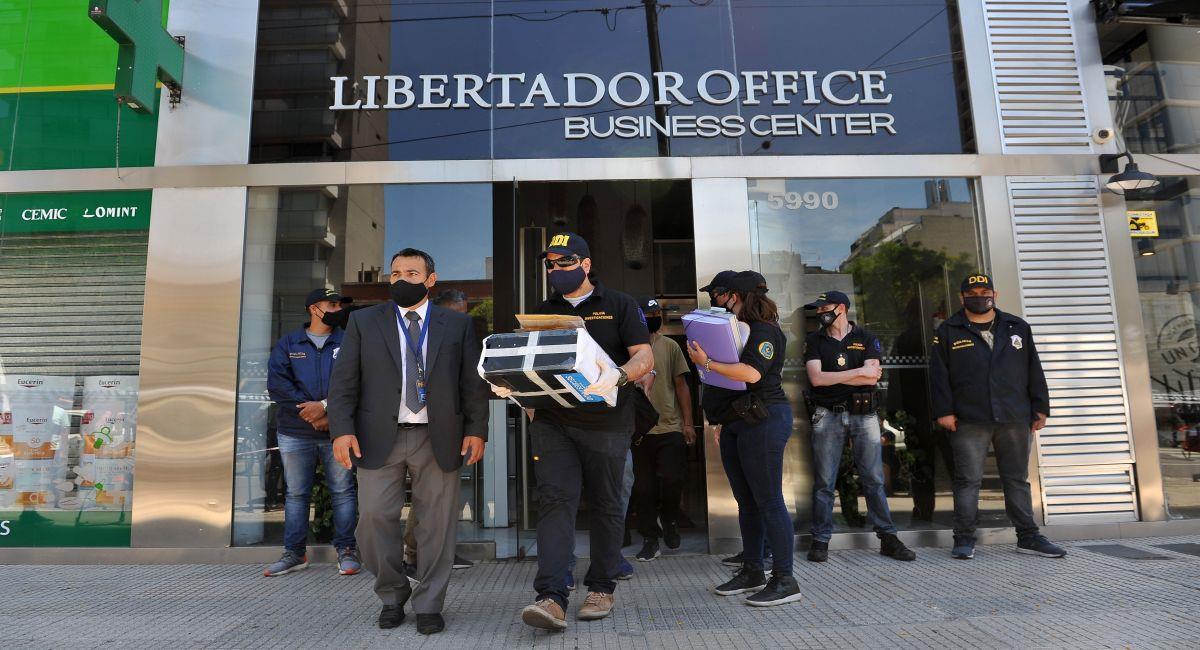 La policía intervino consultorio del médico de Diego Maradona. Foto: EFE
