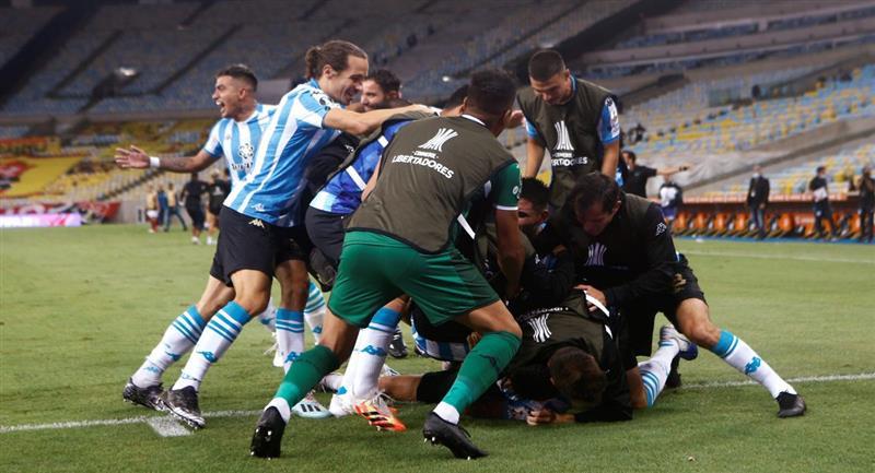 Racing sorprendió a Flamengo y lo eliminó de la Copa Libertadores. Foto: EFE
