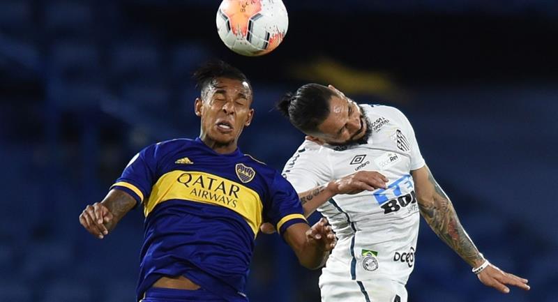 Boca Juniors y Santos deben jugar la revancha en Brasil. Foto: EFE