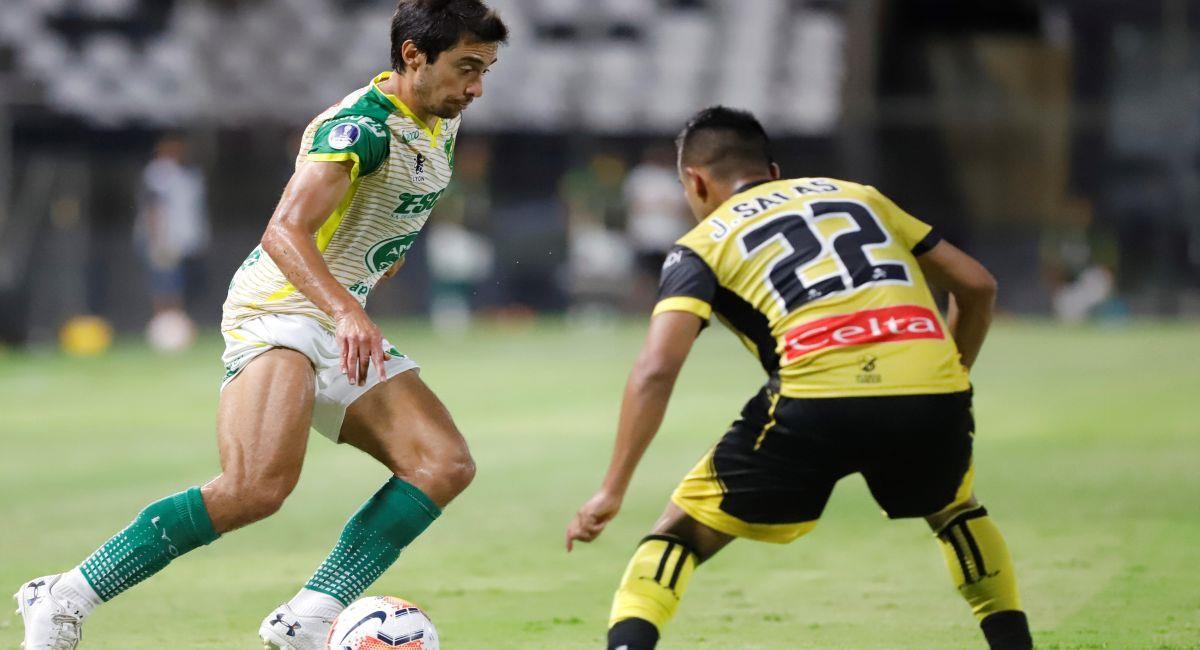 Coquimbo Unido y Defensa y Justicia luchan por estar en la final de la Copa Sudamericana. Foto: EFE