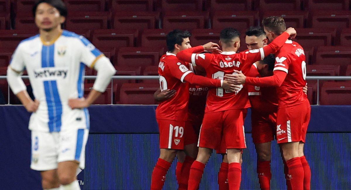 Lucas Ocampos permitió triunfo del Sevilla en la Copa del Rey. Foto: EFE
