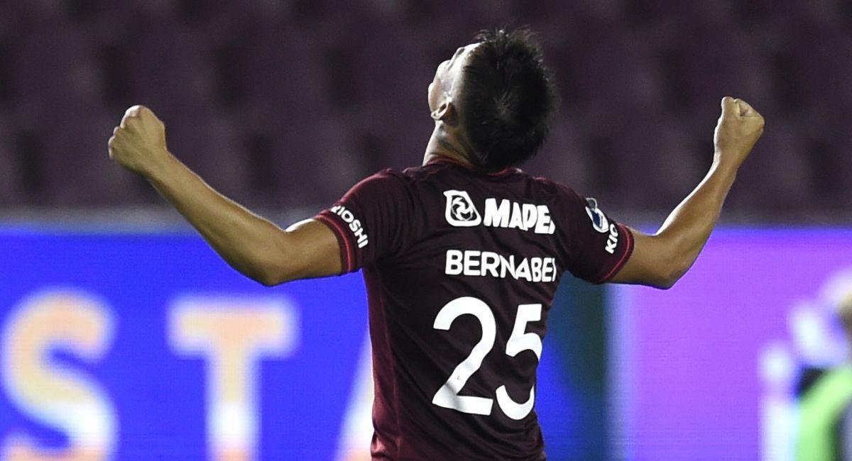 Lanús quiere levantar la Copa Sudamericana. Foto: EFE