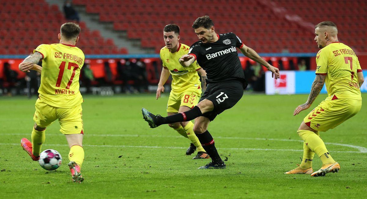Lucas Alario fue titular en el Bayer Leverkusen. Foto: EFE