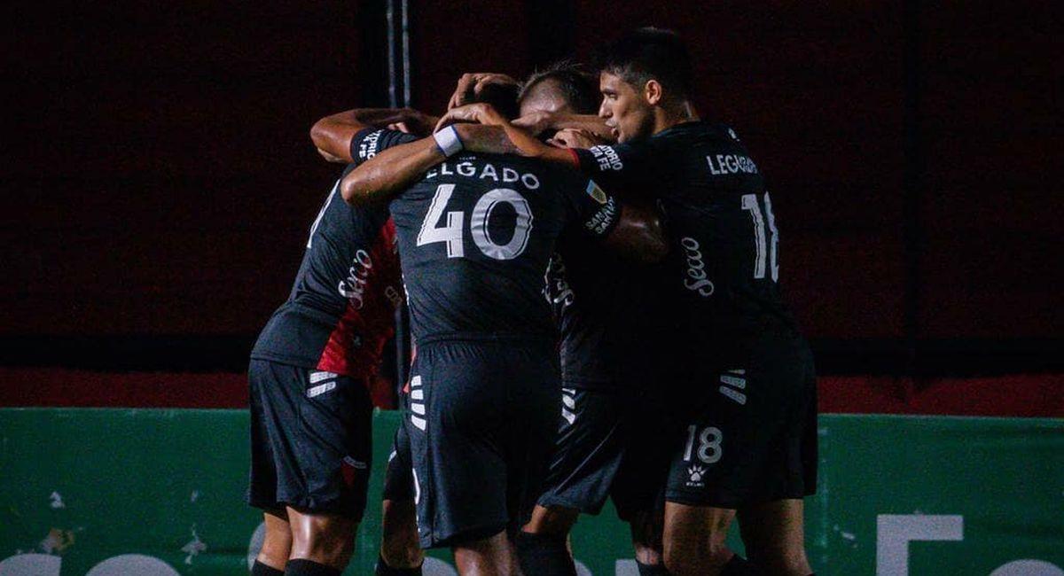 Colón de Santa Fe no deja escapar puntos en la Copa de la Liga Profesional. Foto: Facebook Club Colón