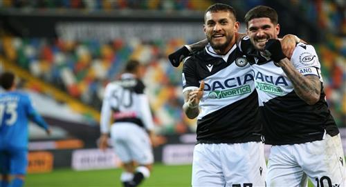 Udinese celebra gracias a Roberto Pereyra, Rodrigo De Paul y Nahuel Molina