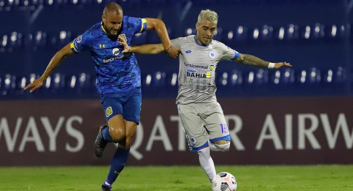 Rosario Central debutó con el pie izquierdo en la Copa Sudamericana. Foto: EFE