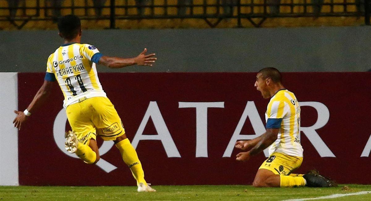 Rosario Central sigue aspirando con avanzar en la Copa Sudamericana. Foto: EFE