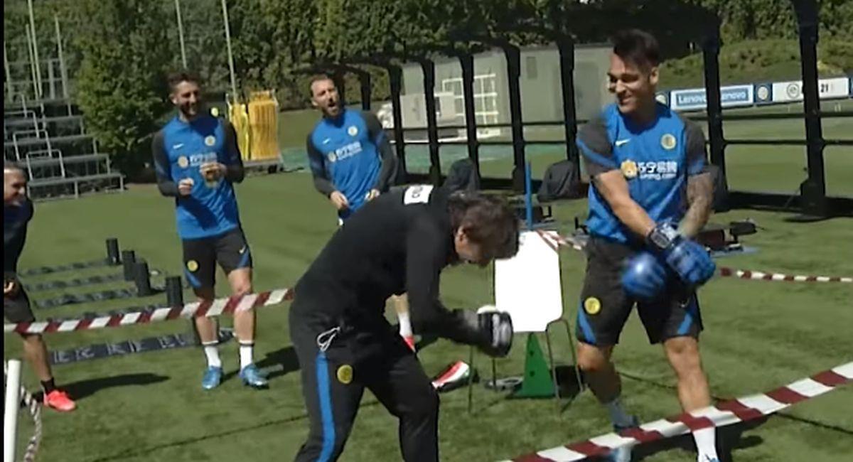 Lautaro Martínez chocó con Antonio Conte. Foto: Facebook Inter de Milán