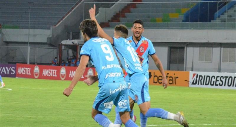 Arsenal de Sarandí clasificó a los octavos de final de la Copa Sudamericana al vencer a Bolívar