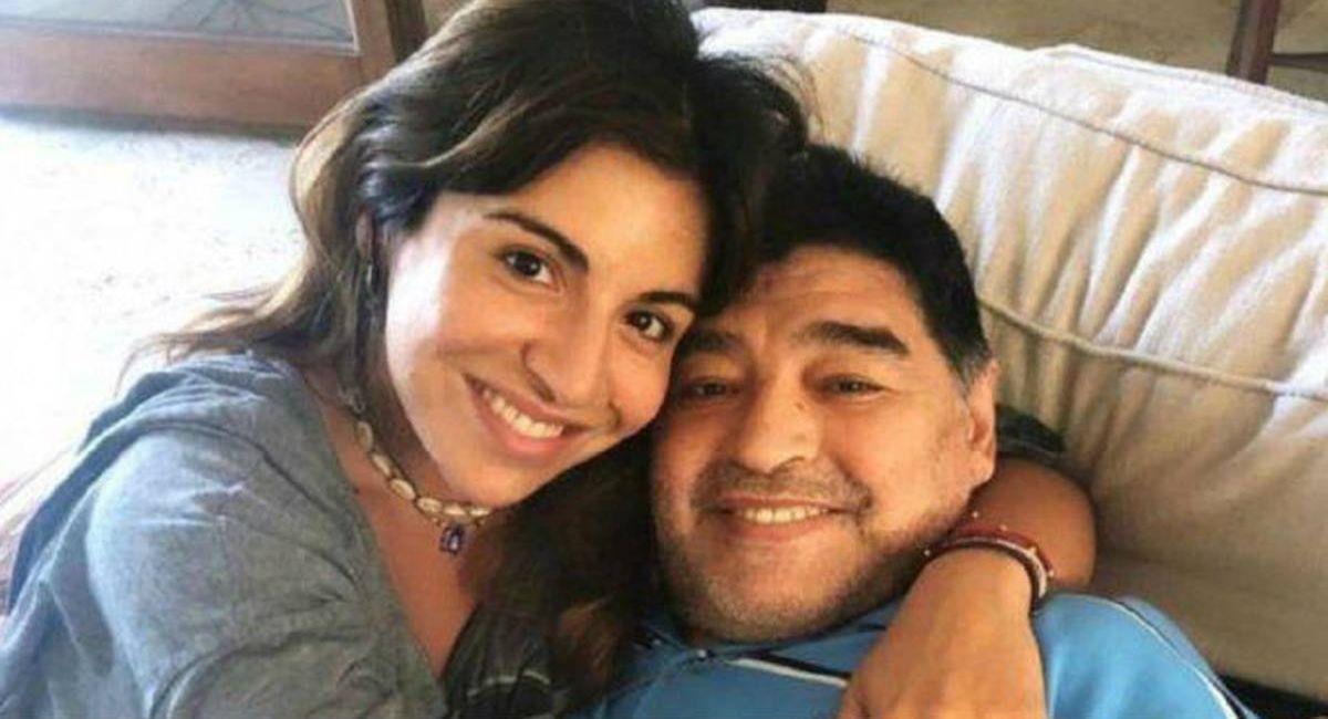 Gianinna Maradona junto a Diego. Foto: Twitter