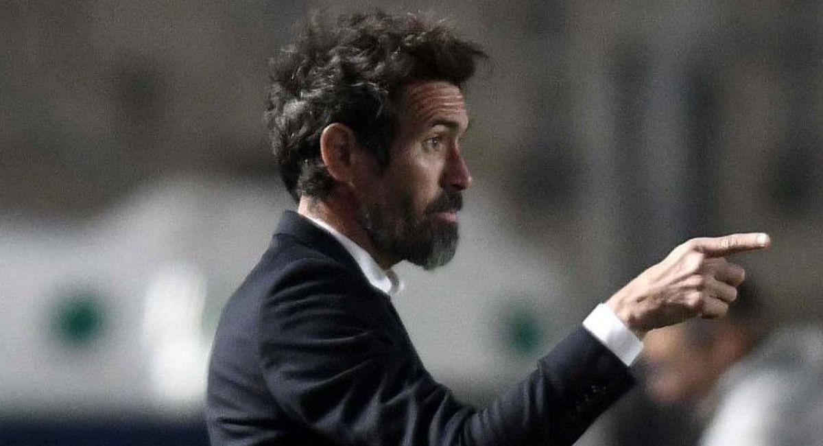 Eduardo Domínguez sigue firme en Colón de Santa Fe. Foto: Twitter