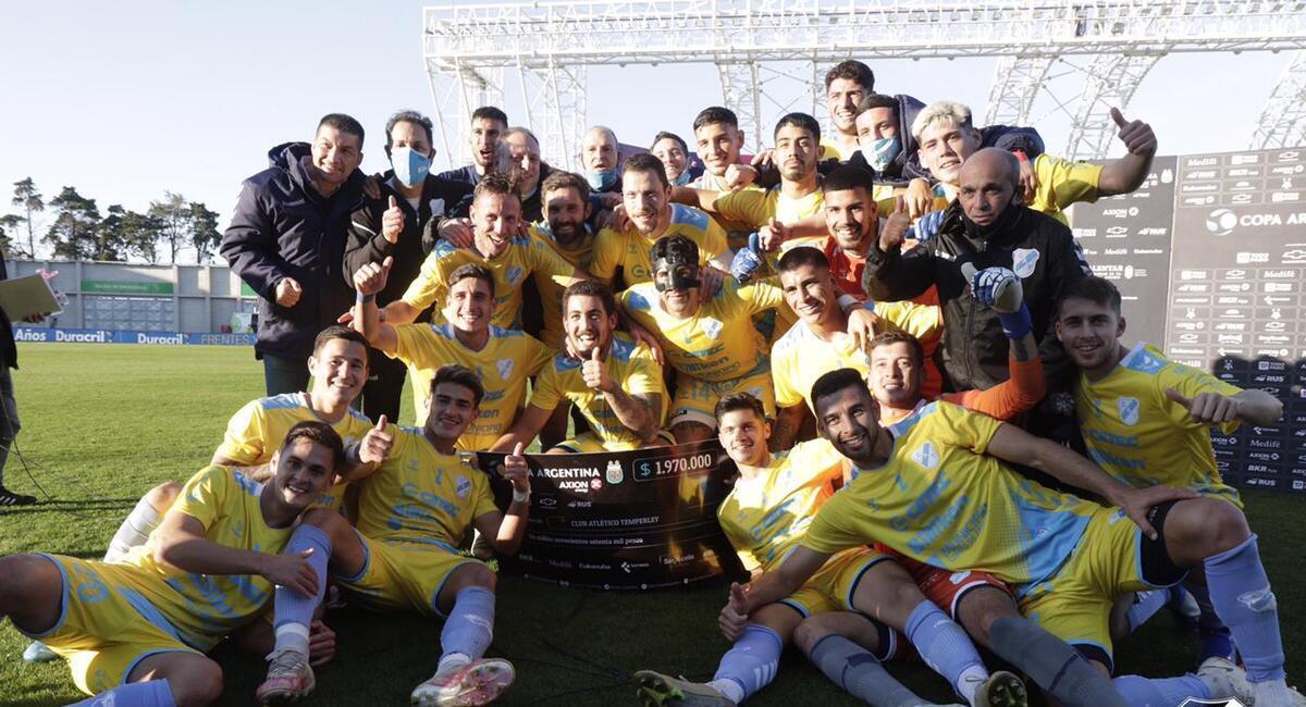 Temperley avanzó en la Copa Argentina. Foto: @TemperleyOK
